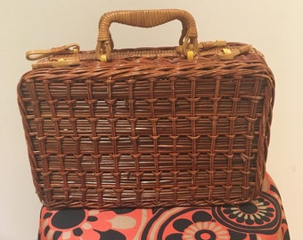 Vintage Wicker / Rattan basket bag purse