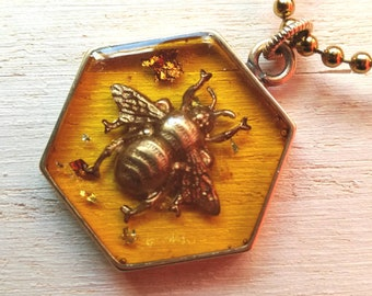 Bee necklace, honey bee necklace, bumble bee necklace, queen bee necklace, busy bee necklace, bee in resin necklace, honeycomb