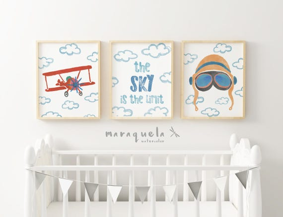 SET infantil PILOTO AVIADOR - Biplano, cielo con texto y casco/ Aviator Set: Biplane, the sky is the limit and aviator helmet