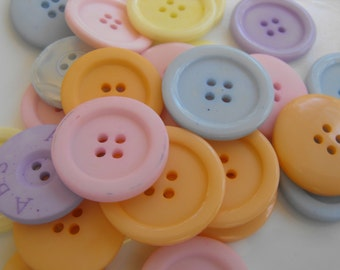 25 Pastel Large Buttons Assorted Round Crafting Sewing Buttons