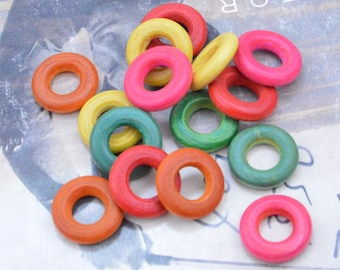 100 Small Wood rings, round wooden rings, wood circle, Wood ring connectors, painted wood ring, wood jumpring, colorful wood ring 20mm