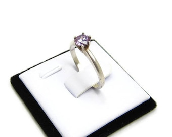 AMETHYST SOLITAIRE RING Size 7, Vintage c. 1960 Sterling Silver Jewelry, Approx 1 Carat, Hallmarked, February Birthstone, 3 Petunia Place