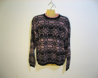1980s Gitano vintage alpine knit sweater. Double crew neck, pink and black. Size Large or XL