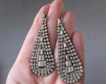 Large 1980's Vintage Rhinestone Tear Drop Dangle Pierced Earrings
