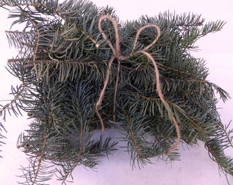Fresh pine wedding greenery  and garland. Rustic wedding decorations. This listing is great for the smaller displays at your wedding. Alter?