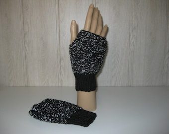 wool black Lurex thread without thumbs mittens