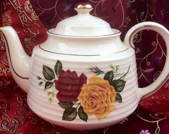 Vintage Sadler Beehive Teapot