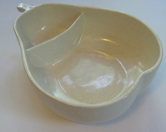 Pfaltzgraff pear bowl divided serving dish. speckled stoneware 1930s-1940s. Keystone mark. RARE ivory color.