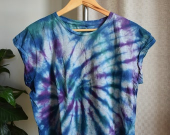Cool Spiral Tie Dye on Grey Crop Top