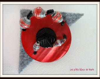 Gray and red felt and button brooch