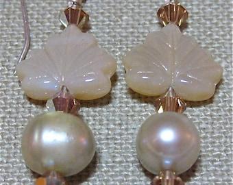 Peach Leaves and Pearls Earrings - E182