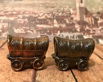 Metal 1950s covered wagon salt and pepper shakers
