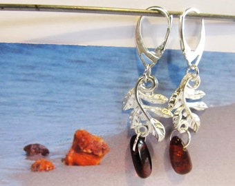 Amber Leaves Leaf Earrings 3.8 gr. Natural Baltic beads transparent cognac brown polished silver color french clasp raw stones chandelier