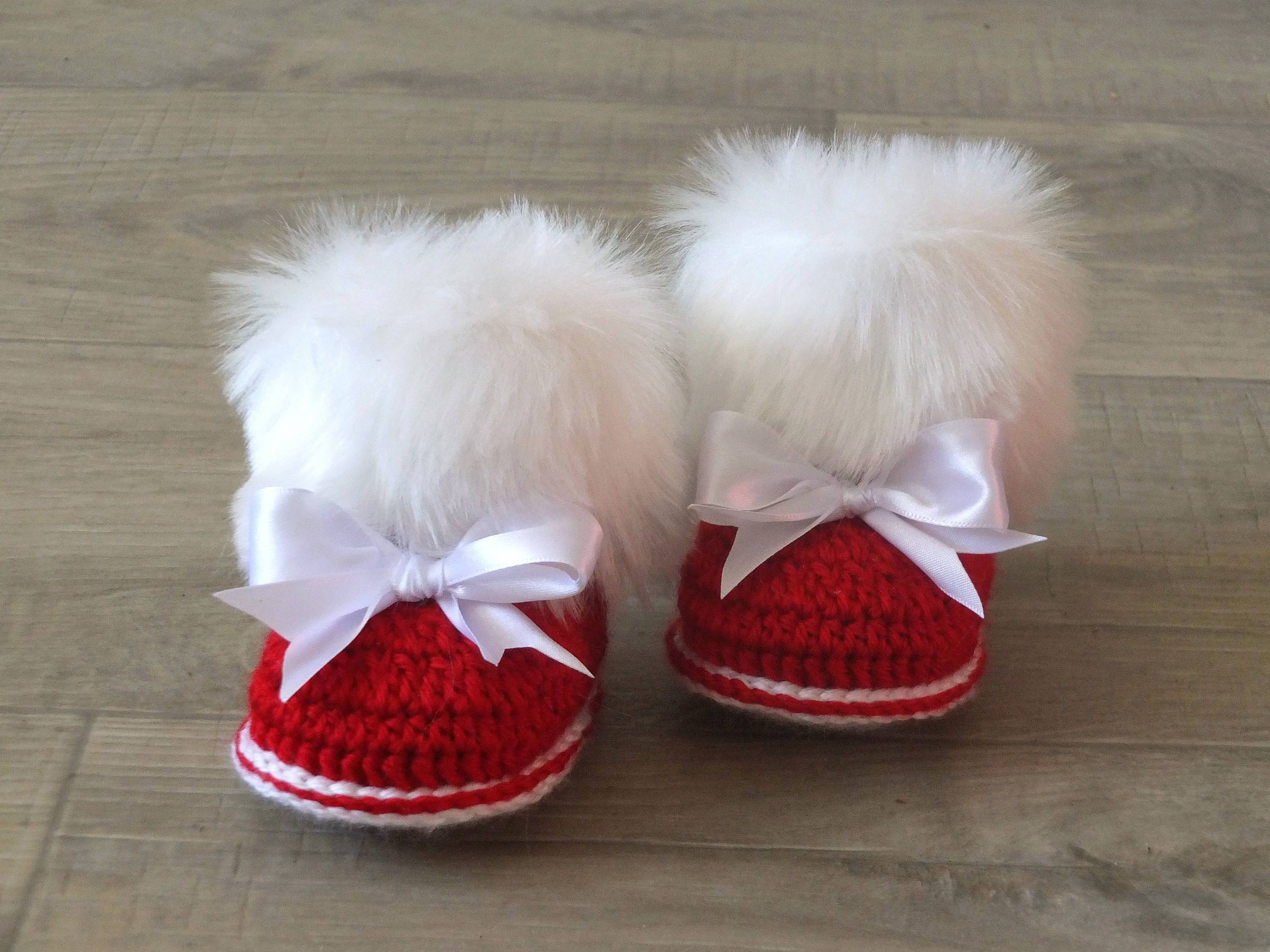 Red Baby girl booties with bows Christmas booties Crochet Baby