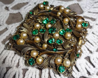1940's Floral Rhinestone and Faux Pearl Brooch Emerald Rhinestones and faux Pearl Ornate Filigree Setting