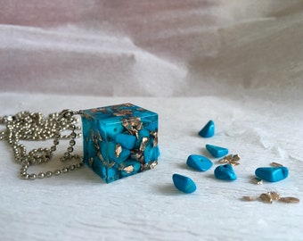 Blue in cube