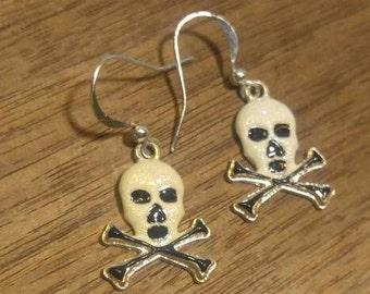 Fun, Fabulous Skull and Crossbones Earrings~ Halloween Pirate !!