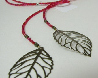 Seed bead lariat leaf necklace