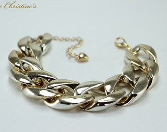 Angelina - Golden Celebrity Style Chain Bracelet, 180x21mm, 7.09 inches long, 14g - BCX050158