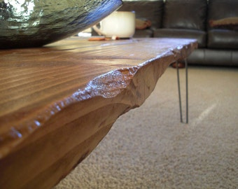 Modern Reclaimed Upcycle Rustic Wood Plank Coffee Table with Vintage Eames Style Hairpin Legs