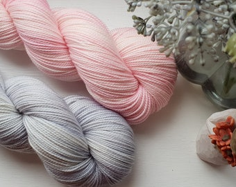 The Silver Queen / hand dyed 80/20 4ply yarn