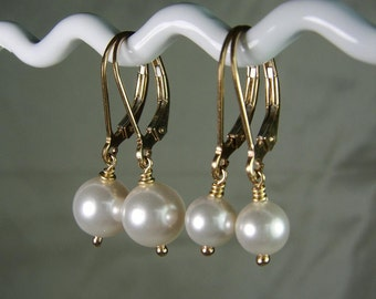 Bridesmaid Jewelry - Set of 4 - Gold Pearl Earrings Pearl Bridal Earrings - Pearl Bridesmaid Earrings - Wedding Jewelry