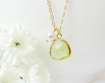 Light Green Gemstone Pendant Necklace, Gemstone and Pearl Necklace, Holiday Gift, Christmas Gift, Bridesmaid Necklace, Gift for Best Friend