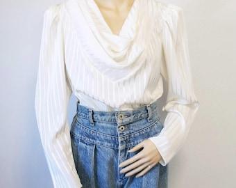 Blouse soyeuse Vintage des années 1980 blanc Secrétaire Long Sleeve drapé décolleté grande taille
