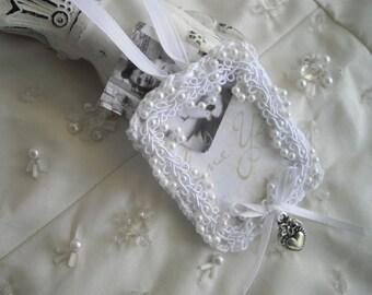 Bouquet Photo Holder For Bridal Bouquet Crochet Pearls Heart Featured at Martha Stewart Wedding Party Charm Handmade by handcraftusa