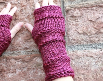 Fingerless gloves - Comfy mittens in Cranberry, knitwear UK