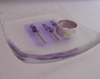 Lavender - Fused glass dish. Lavender glass dish. Glass ring dish. Glass trinket dish. Teachers gift. Glass jewelry dish. Glass flower dish.