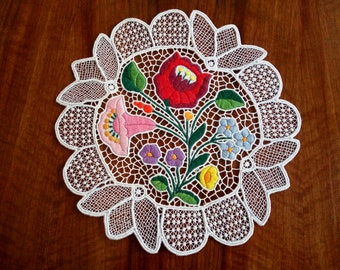 """Handmade 9"""" cutwork embroidery doily. Richelieu lacework with Hungarian, Kalocsa-style floral motif."""