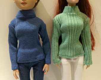 Blue or Green Baggy Sweater for Ellowyne Wilde