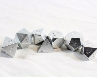 Zucati Dice EleMetal™ - 7pc set  - Valiant Silver (S)