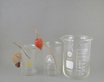 Vintage Glassware, Laboratory Beakers, Graduated Glass Beaker, Lab Glass, Scientific Flasks, Medical Glass, Laboratory Ware Set of 3