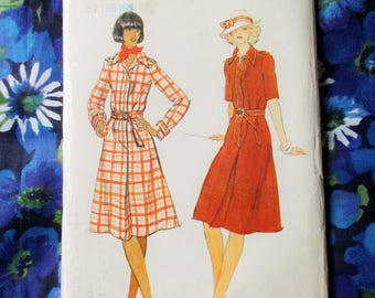 """Vogue Sewing Pattern - 1970's - Woman's A-line shirtdress - Size 12   bust 34"""" - Mpn 9125 - Unused and factory folded"""