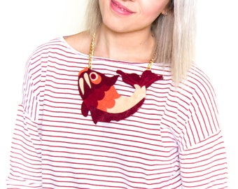Fish bib necklace, red bib necklace, fish pendant, golden chain necklace, woman accessories, original necklace, felt fish, big pendant