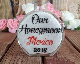 Honeymoon sand bottle - Honeymoon keepsake - Beach honeymoon - Honeymoon gift - Newlywed gift - Honeymoon sand holder - Personalized