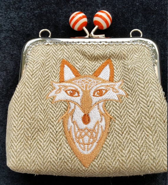 CP534. Coin purse with celtic fox design.