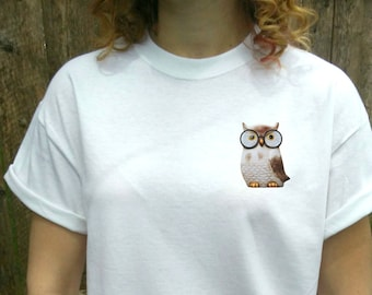 Womens Owl Shirt, owl T-Shirt, Wildlife, with glasses, Womens Shirt, CUTE Tee, T-Shirt, boyfriend fit, short sleeve.