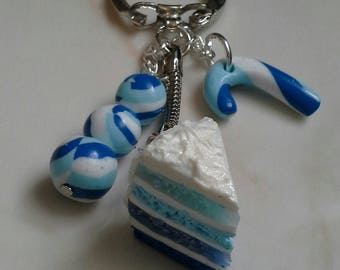 Keychain made of a slice of cake and candy