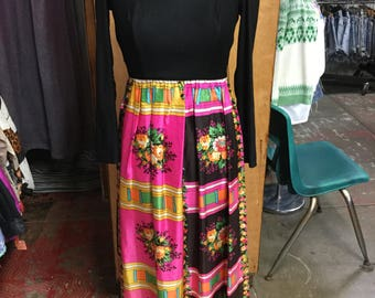 Colorful maxi long sleeve 1970's