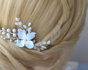 Floral Gold Bridal Hair Comb, Bridal Hair Accessory,Bridal Headpiece,Pearl Hair Comb,Flower Hair Comb,Flower Headpiece,Silver bridal comb
