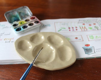 Paint Palette - Animal Paw, for watercolor or acrylic, travel size, mini, portable
