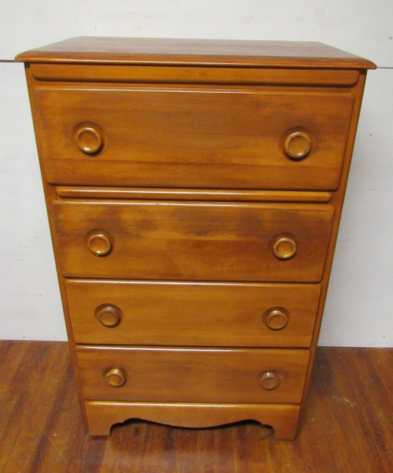 Maple four drawer dresser Monterrey style