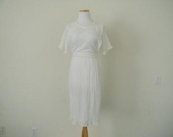 FREE usa SHIPPING vintage white summer dress/ cotton sheer/ apron dress/ lace dress/ scoop neck/ elastic waist/ wedding dress/ size 9 XS