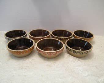 7 Piece Ceramic Berry Bowls or Salt Cellars, Vintage small sauce dipping dishes with colorful rims old world pattern, possible temp tations