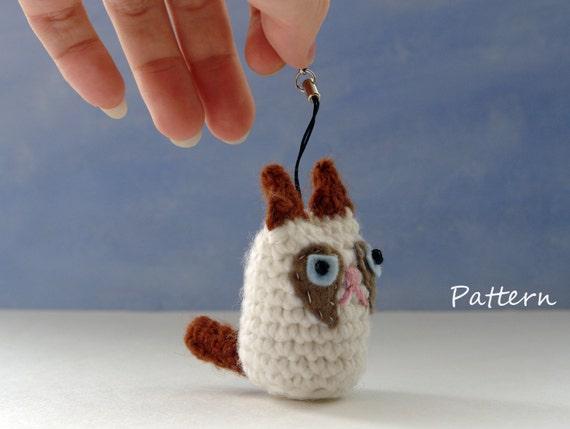 Crochet Amigurumi Keychain Free Pattern : Grumpy cat amigurumi crochet pattern for keychain