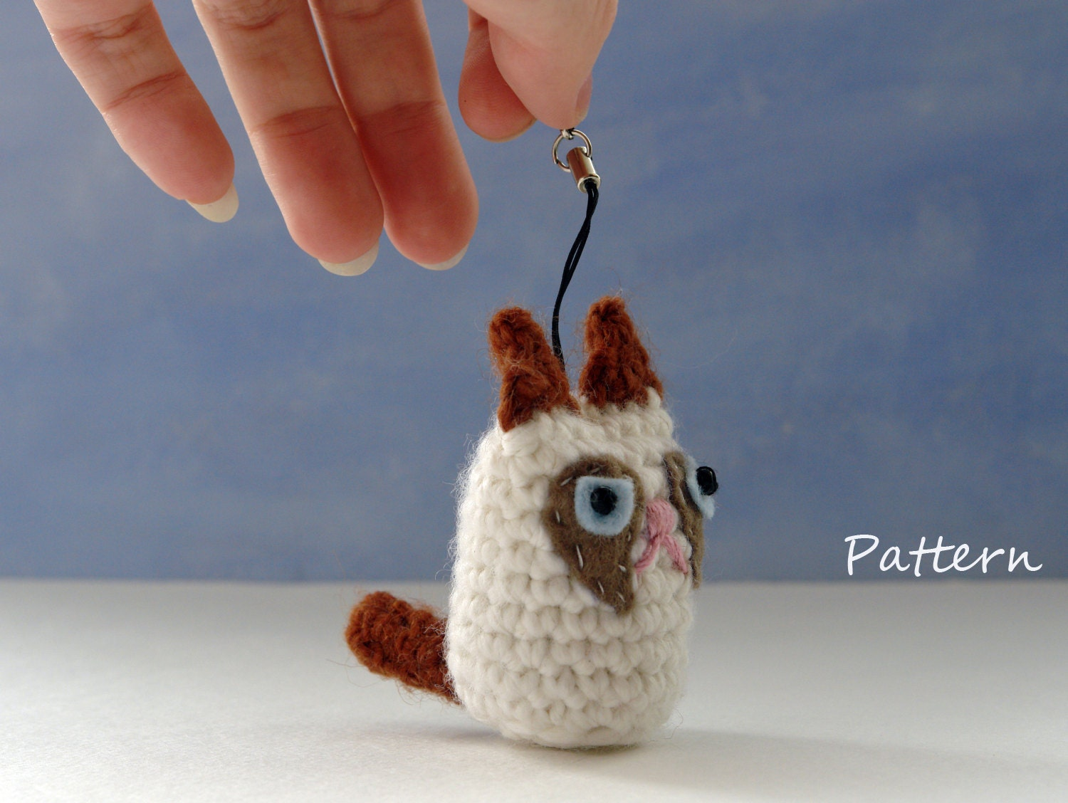 Amigurumi Crochet Keychain : Cat amigurumi crochet pattern for keychain