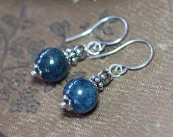 Apatite bijoux Boucles d'oreilles bleu de pierres précieuses boucles d'oreilles en argent Sterling boucles d'oreilles Boucles d'oreilles bleu rustique